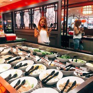 I followed my heart and it lead me to authentic Chinese dishes at the 1st Shabu-Shabu and buffet. @saansaph? Only here at @hapchanofficial in Manila . The Leading Authentic Chinese Restaurant Chain in the Philippines has now their first and only Shabu Shabu and Buffet in Robinson's Galleria . . Unlimited Shabu-Shabu and buffet: P688/head Buffet only: P488/head Savor and enjoy delicious Chinese dishes with the family and friends at their 107th branch. Visit Hap Chan Galleria branch for more jaw-dropping food selection on their  buffet! . . #saansaph #Hapchanshabushabuandbuffet #hapchanbuffet #HapChanGalleria #AyeshaHeartEats #ChineseBuffet #clozette #lifestyle #bloggerph #foodblogger #HapChan #ShabuShabu #clozette #chineserestaurantmanila #HapChanGalleria