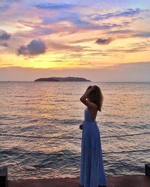 Taking a mental picture every 5 minutes *click* (Friends fans, you got me, right?!) @shangrilatah . . . . . #viviyunnxmalaysia#viviyunntravels#shangrilatah#shangrila#malaysia#sabah#kotakinabalu#travel#fashion#hkblogger#fashionblogger#sheisnotlost#thatsdarling#hkig#travelblogger#dametraveler#clozette