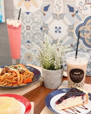 Homey in your palette! Third Cup serves the most delightful treats for your perf merienda (or lunch/dinner!) 🍝🍰🍓 @thirdcup.coffee #ThirdCupCoffee
