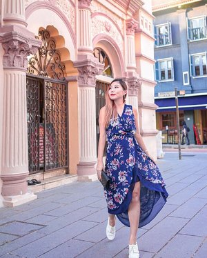 Happy 11.11 everyone!  It's been a fruitful day of shopping but I'm gonna stay away from my electronic devices until it hits 12 midnight to save my wallet! 😂 👗: @styletheorysg