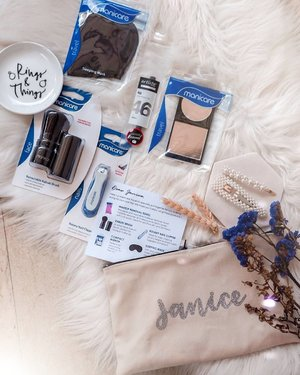 [ G I V E A W A Y ~ ]  #Holidayvibes are in the air & I've teamed up with @manicaresg to gift 2 travel beauty kits in this frame!  Each beauty set (worth more than $55) consists of beauty tools & accessories for the face and body, a travel friendly solution as these items fit easily into a pouch! They contain: - Manicare Makeup Remover Towel - Artiste by Manicare Retractable Kabuki Brush - Manicare Mini Retractable Lip Brush -Manicare Rotary Nail Clipper - Manicare Makeup Mirror - Manicare Sleeping Mask  All you have to is follow @manicaresg & myself! Tag 2 friends to participate, multiple entries valid however, accounts tagging of sole giveaway / celebrities accounts will be disqualified!  Giveaway ends 7 July 2359 hrs! Good luck! 💋  #Clozette #ManicareSG #SGGiveaway #SGContest