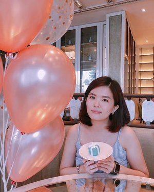 #throwback to afternoon tea affair with bffs at @fskualalumpur on last weekend ❤️ .  FYI, we had the chance to experience afternoon tea in iconic Tiffany style at Four Seasons Hotel KL. 💕 . This afternoon tea set comes along with a scrumptious selection of Tiffany-inspired desserts and savoury treats such as blueberry macaroons with mascarpone crème, royal spice cake in a Tiffany box, and chocolate praline with mandarin orange gel. 😉 . 📸  @janicelee88 ❤️ . #fskualalumpur #fourseasonshotel #tiffanytea #hightea #theloungefourseasonshotel