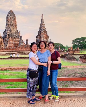My family, my everything 💕 Love our impromptu vacation this time ❤️ . #janiceytravels #janiceyinbkk #siblinggoals #family #janiceyinayutthaya #watchaiwatthanaram #tourismthailand  #wanderlust #lifestylephotography #ayutthaya @tourismthailandkl