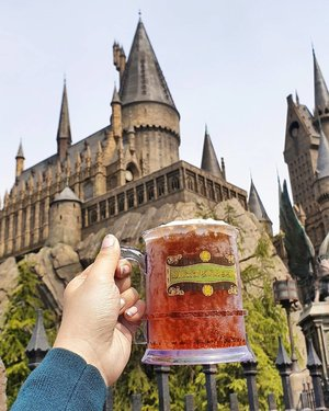 Happy birthday Harry Potter! ⚡🍺 Raising a glass of butterbeer for ⚡The Boy Who Lived ⚡  Today in fictional history, Harry Potter celebrates his 39th birthday 🤗 (July 31, 1980) 🤗 Happy birthday as well to the wonderful author who brought us one of my most beloved book series, thank you @jk_rowling! 📍Universal Studios Japan - Wizarding World of Harry Potter  #clozette #happybirthdayharrypotter #ichiranramen #travel #phyphytravels #onigiPHY #japan #osaka #hogwarts #usj #universalstudiosjapan #potterhead #butterbeer