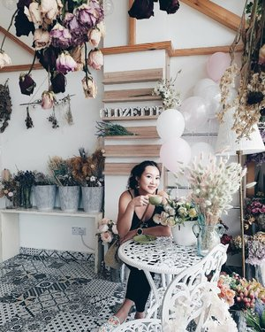 Surrounded by blooms at #Clozette Tea Party in MY. 🌾🏵 ⠀ #clozetteteaparty2019