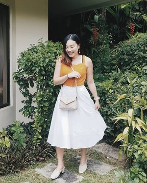 猪年快乐 from the 黄s! 🍍🍍🍍 #cny2019 #初一 . . . . . #beauty #fashion #family #sg #singapore #OOTD #style #clozette #StyleInspo #WIWT