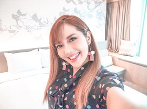 Had a great Christmas staycay and actually, my only break the last few months at @hiltongardeninnsingapore. Was really a respite from the craziness as January really turned out to be mad busy as well and now it's nearly CNY 😅🙈 #lifeofanentrepreneur. . It was my 3rd stay with the hotel and what a great one once again, with its super comfortable Serta mattress bed (I slept like a baby 👶🏻 and didn't wanna leave the bed) and beautiful city view from my room. The portable USB ports conveniently available both by the work desk and the bed let me charge my devices anytime and with ease. Thank you @hiltongardeninnsingapore for the awesome hospitality and kind hosting during the festive period! 😘💖😊 #hiltongardeninn #HGISingapore