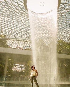 Trippin on skies, sippin waterfalls . . . . . . . . . . #clozette #clozetteph #itseverydaysession #vscophilippines #vsco #vscoph #vscocam #vscogood #vscophile #vscophoto #vscopic #vscophotography #vscoedit #vscogallery #vscogram #vscogrid #vscocamphotos #igersdaily #vscoasia #fsjulykable6th #forumsession #forumtraveller #createinnovatemotivate #blogger #bloggerph #wanderlustsingapore #visitsingapore #fujifilm #fujifilmxa3