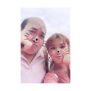 🐱 Neko Days with my Dad! 🐱 Meow! My dad is the Best! Even though he finds it weird, he still caters to my eccentric pose request! Hahahahaha! #mydadnme #love #family #neko #cat #igsg #selfie #selca #clozette #altheakorea #althea #altheaangels #kbeauty #dad #parenthood