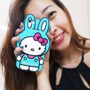 Again, not a Hello Kitty fan but I love this casing! Replaced my iPhone 5 cover w one for my iPhone 6. I'm selling my iPhone 5 one for $10 so if you want it, text me or comment yea? 😘 #clozette #selfie #selling #motd #lotd #lookingfor