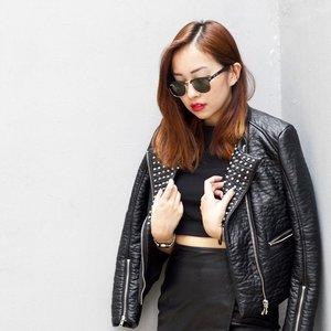 *・゜・*:.。..。.:*・'(*▽*)'・*:.。. .。.:*・゜・* T A P for details. 📷: @xiaodiwong #photoshoot #ootd #ootdcampaign #clozette #stylexstyle #leather #showrc