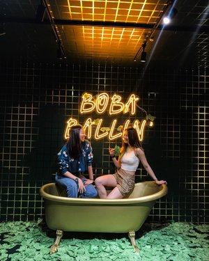 We keep finding ourselves in tubs. 🛁👯♀️💕 . . . .  #ootd #clozette #coordinatesoffrisbee #lookbook #lookbooksg #igers #igsg #sgblogger #fashionblogger