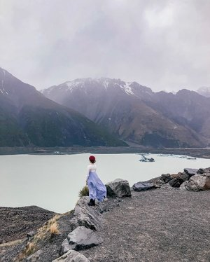 my postcard came to life. ::: #clozette #ootd #lookbooksg #igsg #sgblogger #stylediaries #potd #stylexstyle #picoftheday #ootdfash #photooftheday #photodaily #travelblogger #blogger #travel #adventure #getaway #vacation #newzealand #selfdrive #roadtrip #glacier #holiday #sightseeing #mountain #scenic #scenery #southisland #lake