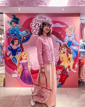 At @bhg.sg Bugis Disney Princess Thematic Pop Up! In my fave Disney Princess pink floral bomber jacket from @umekosg. Walk away with this complimentary chic Princess tote when you purchase $80 & above. Don't forget to get yourself a complimentary Princess stationery set when you strike your best pose and upload onto FB/IG! From now till 31 Jul 2019. ::: #clozette #ootd #fashiondiaries #lookbooksg #igsg #sgblogger #stylediaries #fashioninsider #sgfashion #ootdsg #styleinspo #ootdmagazine #ootdfashion #potd #stylexstyle #picoftheday #ootdfash #photooftheday #photodaily #bblogger #blogger #fashionista #style #princess #disney #fairytale #disneyprincess #BHGBugis