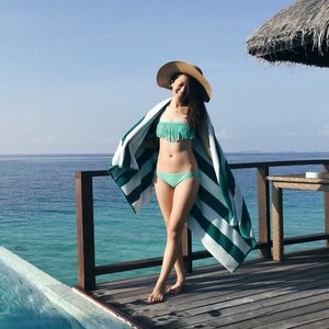 How I wish Sundays are made of such blue skies and seas. Anyway, I've always been afraid of IPL treatments because it's painful but I'm happy that I took the step to try out Bikini IPL so that I can have fuss-free beach vacations! Read my review on my hair removal journey with @estheclinic since May 2017 on the blog! 👙🌊👒☀️ - - - #clozette #ootd #ParadeofOOTD #bikiniIPL #bikini #bikinioutfit #maldives #travels #beachvacay #beachvacation #estheclinic #stylexstyle #fashiondiaries #fashion #outfitoftheday #outfit #ootdasia #ootdsg #ootd #lotd #lookoftheday #wiwt #wiwtsg #whatiwore #whatiworetoday