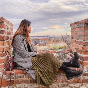 There's much more for us to see, discover and explore. The world is beautiful, in every way. 🌍 . Taken from the #PragueCastle lookout point. . #ParadeofAdventures #prague #visitprague #visitczechrepublic #czechrepublic #praha #hm #hmsg #timberland #timberlandsg #clozette