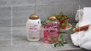 Can I just say how smooth my hair is now?! Ever since I've started using the @ogxbeautysingapore Orchid Oil Shampoo & Conditioner, I said goodbye to tangled hair ends! To make the most out of the Orchid Oil range, I start off by applying the conditioner and combing through my hair ends before shampoo. The Orchid Oil range helps to restore the moisture in my super dehydrated hair, and even protects my hair colour with its UVA/UVB Filter Blend!  Who knew Spring hair goals can be so easily achieved by using the right products? 💐 #OGXbeautyasia #OGXnewhairnewyou #OGXhairgoals #sp