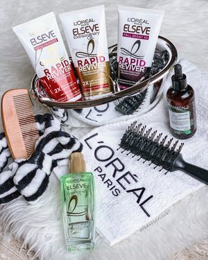 Rapid Reviver, indeed! I rarely talk about haircare and when I do, it means I'm serious! @lorealhair is a brand I'm acquainted with since I was a kid because it's the brand many of us think of when it comes to hair. I've been trying the @lorealhair Extraordinary Oil Rapid Reviver Treatment Conditioners and oh my, I can bid goodbye to all the conditioners we have out there. 😍 This literally whips your hair back to smoothness with every wash! . #lorealhair #lorealparissg #clozette #haircare #hairtalk #letstalkabouthair