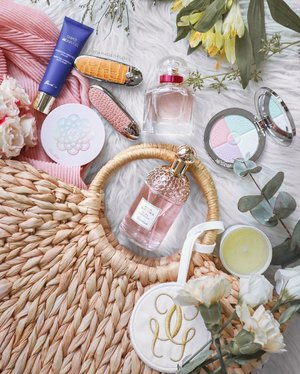 """""""Live life in full bloom."""" 💐  @guerlainsg's Spring/Summer launches make a pretty pastel palette, don't you agree? • Super Aqua-Gel • Mon #Guerlain Bloom of Rose EDT & Candle (candle not for sale) • Rouge G IT-Colour Lipsticks & Cases • Aqua Allegoria Flora Cherrysia > I absolutely love this scent! It's like a light floral yet subtly sweet fragrance - perfect for Spring/Summer days! • #Météorites Glow Pearls Cushion • Météorites Compact Illuminating Powder . #guerlainsg @luxasia #luxasia #clozette"""