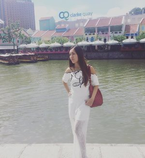 White for the extremely hot sun weather. 😊 Clothes : MDS collections.  Bag : MCM  Location: Clarke Quay  #ootd #clakequay #clozette #stylexstyle #mds #mdsootd #mdscollections #singapore