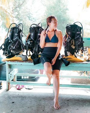 Starting my Advance Open Water course with @udivemalaysia at @berjayatiomanresort_official today. To be honest, I was super nervous as my last dive was years ago. But thankfully, the peeps at Udive are very professional and patient. There was also a test dive to evaluate our diving skills to correct our diving mistakes. Can't wait to share more with you soon. . Oh yes, Tioman Island Conservation Day (#TICD2019) will be held in Oct. This year, Berjaya Tioman Resort will introduce a new and exciting initiative to conserve coral reefs. So stay tuned for more updates from @berjayatiomanresort_official . . 📸: @bernadhuong I @sonysingapore #sonyalpha7iii . . #berjayatiomanresort #udive #ootdsg #malaysiaboleh #travelmadedifferent #natgeotravel #clozette #seetheworld #aroundtheworld #beautifulplaces #passionpassport #womenwhoexplore #thetravelwomen #citizenfemme #sheisnotlost #girldiscoverers #shewhowanders #roamtheplanet #wearetravelgirls #borntotravel #femmetravel #travelstoke #travel3sixty  #globetrotter #traveltheworld #mhctravelogue