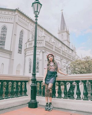 Chijmes Church, is a must visit place in Singapore. I had a crush with this place when I first saw it, and fell in love when I visited it.  This place has historical value. Used to be catholic school for girls and now converted into a restaurants & bars area.  Did you know that in the movie
