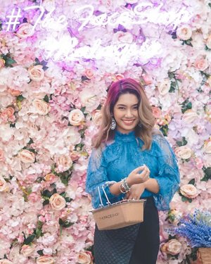 Today's floral delight 🌸 . Came straight back from SG and headed on by @thefaceshopmalaysia , @belifmalaysia , @vdivov_official Pop-Up store in LG Centre Court, @setiacity.mall ❤️ . There were tons of fun activities and games to participate in, plus you guys would get to know more about the brands and their products in addition to winning some prizes as well! ✨ . So if you're going to be around the area tomorrow, do pop on by and check them out because there will be more up for grabs, but in the meantime, do check out my stories for more updates on that 👍🏼 . #thefaceshopmalaysia #belifmalaysia #vdivovmalaysia #kbeauty #koreanbeauty #beauty #makeup #clozette #thefaceshop