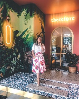 Here's an extra dose of sunshine on a splendid Thursday morning. How is everybody doing? ❤️ . 👗 @zaloramy 📸 @therefore.cafe . #thursday #malaysiancafes #goodvibes #fashion #style #clozette #fashionable #styleoftheday #cafes