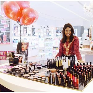 Introducing Bollywood Cosmetics; now available to you at Muse by Watsons 😉 More pictures and details coming your way soon! 😘 #event #beauty #cosmetics #makeup #bblogger #fblogger #introduction #newline #bollywoodprofessional #butterflymsia #musebywatsons #penmyblog #love #instalove #instalife #clozette