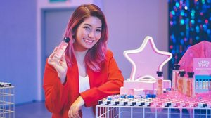 Had the best time at @thebodyshopmalaysia a few days ago, and you guys- they have finally released their brand new fragrance collection called Scents of Life in conjunction with Ramadhan! ❤️ . Now there are 3 varieties in the Scents of Life range; ranging from essence , fragrance and spritz; and the retail for each of these go from RM65- RM109 👌🏻 . Now my favourite ones in the collection are Red Fixation & Sweet Love, so if you would like to have a closer look at them, do swipe right ❤️👉🏼 . #myfrangrancemychoice #thebodyshop #thebodyshopmalaysia #fragrances #scents #scentsoflife #perfumes #perfume #clozette