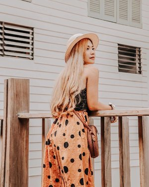 Look at the sunny side of everything 🧡 #clozette #clozetteco — shot by: @deeyeenjazmine