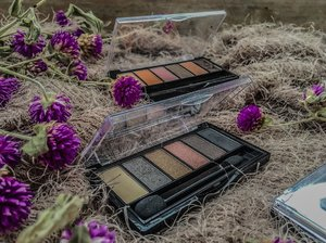 When it comes to eye makeup the main desire is to attract attention to the eye, making your art and natural beauty stand out! Good thing @silkygirl.ph palettes is there to give me the best look on every occasion. From nudes to smokey,metallics and vibrants. #silkygirlph #silkygirlcosmetics #crueltyfreemakeup