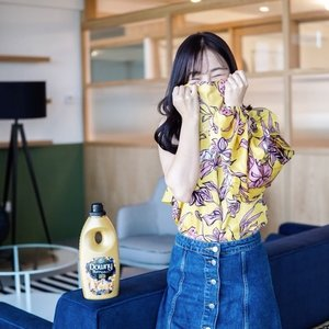 SELAMAT HARI RAYA, #CHAYANGS! 💖 By the way, what's better than an #OOTD being on point? It is when it SMELLS on point too! 😂 I'm loving how @downy keeps me vibrant and confident all day long! #DaringNeverFades #Downy #Clozette