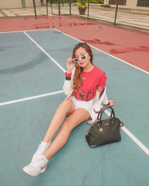 Monday sporty look! ♥️ 📷: @josephtaborr  #clozette
