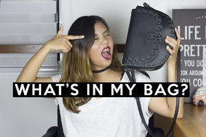 What's In My Bag? | Andrea Ferma - YouTube