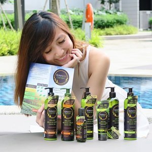 GIVEAWAY! 🌱 Indulge in nature's best with #GuardianSG #BotanecoGardenSG range of body & hair care! 💚  Enriched with 100% eco-certified Organic Argan Oil from Morocco and Virgin Olive Oil from Spain, each beauty boosting product contains antioxidants, nutrients and excellent moisturizing properties. 😍  Head over to my blog for more details on the amazing new range! 📲  I'm giving away a set of #BotanecoGarden Organic Argan & Virgin Olive Oil Shampoo, Condition & Serum to 3 winners! 🎁  Simply follow me and @GuardianSG, comment on why you would like to win and tag 3 friends. Contest ends 5th September. Good luck! 👯  #sgcontest #clozette #sggiveaway #haircareproduct #organichaircare #organichaircareproducts #organicbodycare #bodycareproducts