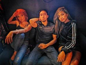 Abercrombie who? 💪🏼 Photo by: @miachristiallamas  Featuring @anthonypaloma.lmt, Beta babies @shae.vela and @camsfajardo_ Shot using the Huawei P30 Pro  #WeAreBetaPH #kumuph #livestreamer  #clozette #clozetteph  #bodypositivity #HuaweiP30Pro #morena #morenamovement #premiumtalents #music #beauty #beautyph #pinaybeauty #moreno #VersusBarcade