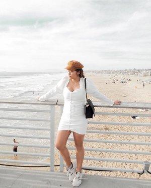 Running errands, but a quick stop by the beach won't hurt no one 🌞 #SHEIN #SHEINstyle #SHEINus #SHEINofficial #SHEINgals . . . . . . . . . . . . . .  #365Travels #365GoesToCalifornia #365GoesToLosAngeles #Hermosa #HermosaBeach  #California #SoCal #SoCalBloggers #Clozette #VisitCalifornia #DDsDealz #DDsDiscounts #BestLittleBeachCity