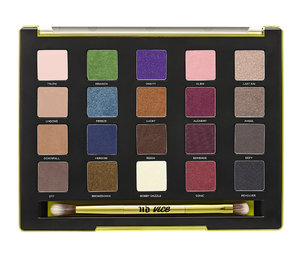The Urban Decay 2014 Holiday Collection launches at Sephora in 3 days. Take a deep look at all the palettes you can choose from, plus the new Vice3 palette with 20 brand new shades! Read: http://bit.ly/ZSHTQy xoxo, Roxanne