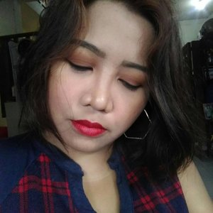 #holidaymakeup by yours truly lol . . .  #blogger #bloggerph #instablogger #styleblogger #lifestyleblogger #fblogger #clozette #makeup #makeupph #pinay #filipina #manila #philippines #christmas
