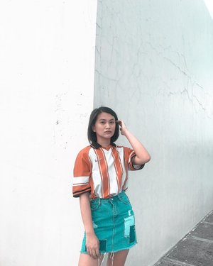 slaying my outfit from thrift shop Top (auth nike)- 80php Skirt- 100php . . #theclassicsph #clozette #ootd #thriftshop #ukayukay