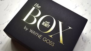 #WayneGossXCultBeauty Limited Edition Box . Alpha-H Liquid Gold, Full Size 100ml £33.50 with tax ($60.03SGD) £27.92 without tax ($50.03SGD) Singapore Sephora Price Tag $60 SGD But it will cost $48 if you buy it during Sephora 20% Sales Period. . It is cheaper to buy it during Sephora sales if you just want 1 item...but I bought it together as a box so it saves up a lot more and I get to try these products that I've always wanting to try. . Alpha-H is a pro salon brand and they are experts in peelings for over 20 years. Peelings helps with our skin surface as it reduce dead skin, thinning the layers of any marks which helps make our face looks even. Best of all? Thinning the layers of wrinkles. Peeling is a form of exfoliation hence you should NOT use this Liquid Gold every day. Using liquid gold helps your skin to absorb more products used after. You will feel a tingle sensation upon using it. Strongly suggest using it 2-3 times a week and water it down for sensitive skin or every other night for the rest who doesn't. Because it helps to break down layers on your face hence you HAVE TO use sunscreen in the morning. You can also spot treat it as well. Best use with naked skin and leave it for an hour or two to continue the rest of your nighttime regime or just use Alpha H Liquid Gold for the night. . . . . . . . . . . #makeup #sgbeautyblogger #clozette #igersingapore #sasasingapore #beautyvlogger #hoodedeyelids #myartistcommunity #makeupporn #muashootingstar #sginsta #makeupartistsg #singaporemakeupartist #muasg #sgbeauty #beautycreator #makeupsg #makeupartist #skincare #cultbeauty @cultbeauty @alphahskincare #alphahskincare @gossmakeupartist