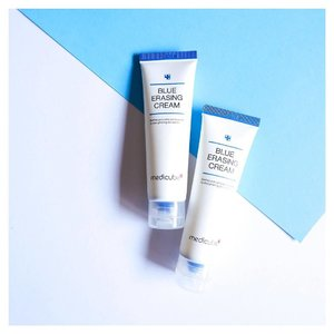 #oneemptyonenewbie 🤩 Been using the blue erasing cream from medicube and had been loving it so much that I had to repurchase 😱 It's perfect for Singapore's 365 days weather and I recommend it to those with acne prone and sensitive skin. It doesn't clog pores, I can tell that there were no congested pores even after using after a few weeks.  If you are looking for a moisturiser, I would recommend you to try this out! Fats absorption without any sticky residue.