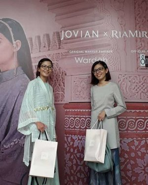 Congrats again on the amazing  collaboration & beautiful Jovian x Ria Miranda collection! A collection inspired by aesthetics & romanticism of Japan. ICYMI both me & my sis were wearing #JovianMandagieforZalora 2013 & 2018 collections. Thanks to Dato' Jovian & team for having us! 😎👘🎈 #FabulousThursday #Astakamorocco #JovianXRiaMiranda #Camwhore #Camwhoring #Candid #Randompics #Blogger #MalaysianBlogger #LifestyleBlogger #Influencer #Clozette #StarClozetter #instapic #instaphoto #igers