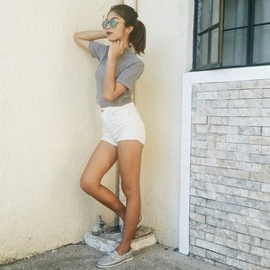 My post-summer lazy dressing translation. Ribbed top, shorts and these @blackbeard_shoes Casper 🌚 #clozette