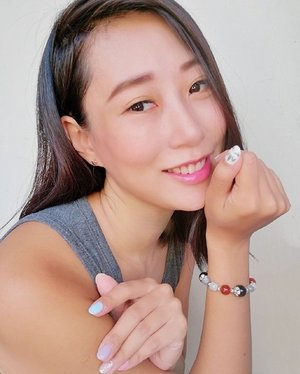 Foundation: @beautymaker_official⁣ Blusher & Lipstick: @diormakeup⁣ Disney earring: @daiso_singapore⁣ Eyelash extension: @blushlashstudio⁣ Nails: @elenails.sg⁣ Bracelet: @chrysalis_gemstones