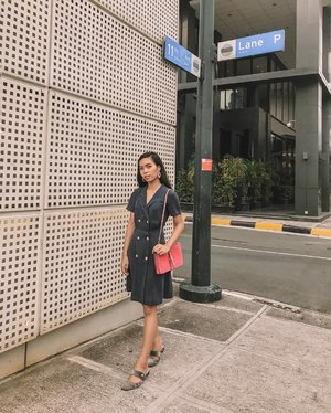 "Category is ""business casual"" 😉  Dress: @promod @promodph (Got it at 50% off👌check out on their clearance sale up to 70%!! Til July 31 only) Flats: @hm Bag: @verniecenciso (from BU10 pa 😝) - 📸: @katrinmarielle_ #BLOGGERxPH #theclassicsph #clozette #VinaPresets"