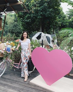 Thank you for having Clozette and me this morning at the launch of Love Beauty and Planet @lovebeautyandplanetsg and @blessincasia. Was great hearing and learning more about ways to think about sustainability 💕🌏 . . . #clozette #lovebeautyandplanet #smallactsoflove #ecobeauty #sustainability #sustainablebeauty #sustainableliving #sustainable #beauty #haircare #bodycare #wiwt #personalstyle #mystyle #smile #iphonexsmax #happy #thursday