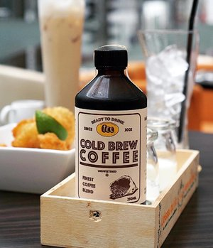 Brewtiful Thursday 💕...#clozette #coldbrew #coldbrewcoffee #icedcoffee #coffeelover #tcc #breakfast #morningmeeting #meeting #busyday #coffeeaddict #igfood #personalstyle #mumlife #tired #keepgoing #smile #happy #thursday