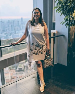 #DateNight #OOTD ⭐ Hands down one of my fav dresses: so comfy yet so flattering! We all need a dress that'll make us feel this way 💋 Dress: Wallis . . . #fashion #armcandy #pursebop #lotd #ootd #purseboppicks #luxe #instasg #sgfashion #whatiwore #outfit #armcandy #bagaholic #purseaddict #clozette #style #instastyle #plussizefasion#plussize #zalorasg #wallis